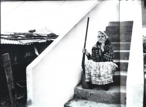 1995 Algérie Femme patriote en Kabylie
